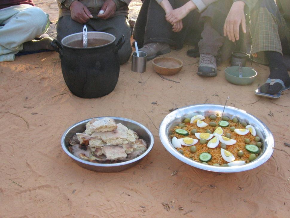 společné jídlo - vision quest naSahaře 2012