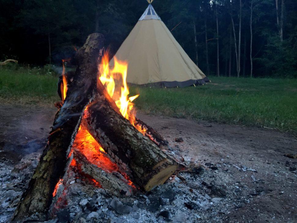 Oheň atýpí naJanovické louce